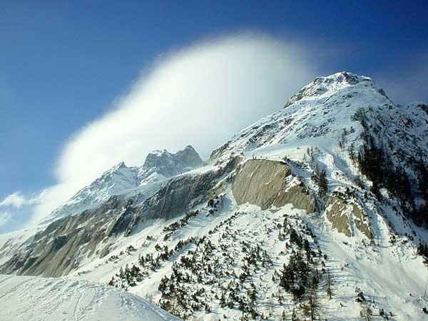 Quelque part à La Fouly, au Val Ferret (Valais), petite station familiale de sports d'hiver et étape du Tour du Mont-Blanc en randonnée.