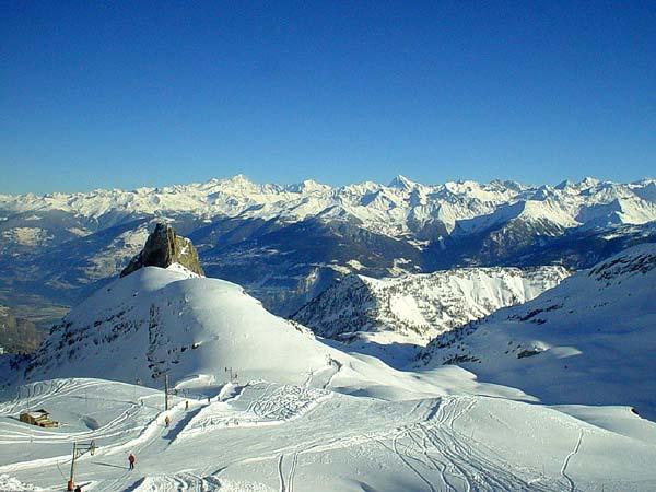 Le domaine skiable d'Ovronnaz, au Valais.