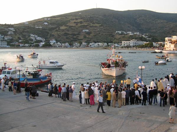 Aspects d'Andros, l'île la plus septentrionale des Cyclades, 2003.