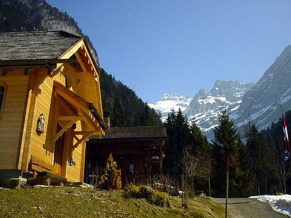 Vue sur le massif du Grand-Muveran depuis les Plans-sur-Bex.
