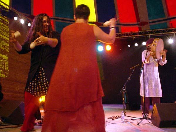 World Music Festiv'Alpe, Château-d'Oex: AS.SUR.D., vendredi 9 août 2002.