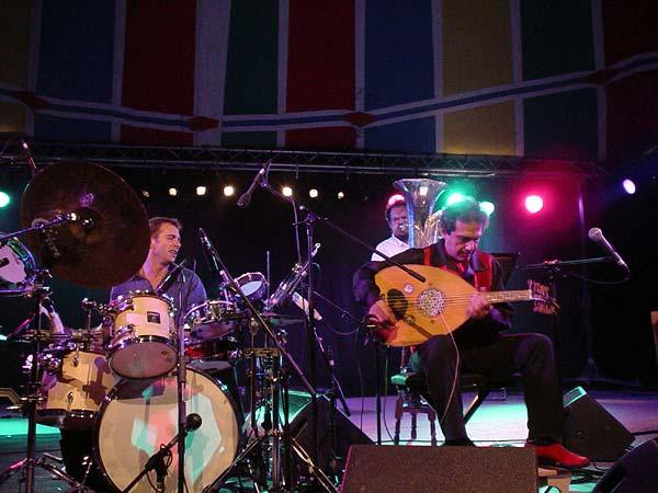 World Music Festiv'Alpe, Château-d'Oex: Rabih Abou-Khalil, samedi 10 août 2002.