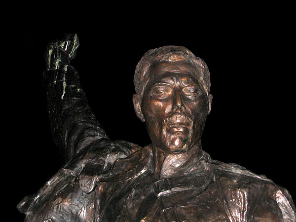 Freddie's Statue by night, November 24, 2003.