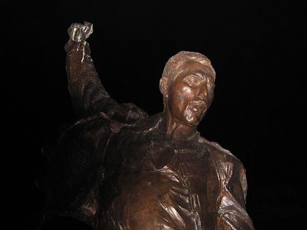 Freddie's Statue by night, November 24, 2003.