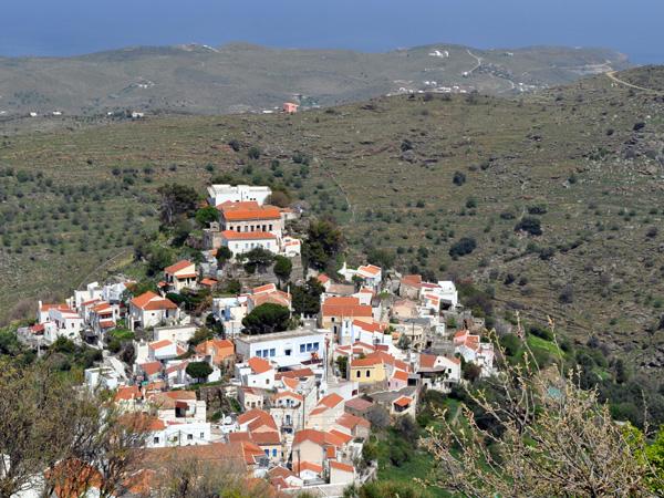 Le magnifique village de Ioulidha (ou Ioulis), sur les hauteurs de Kéa (Tzia), Cyclades, avril 2012.