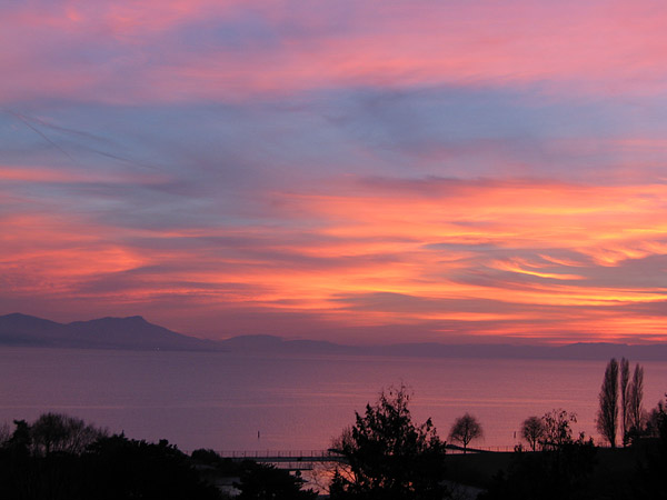 Lausanne: coucher de soleil sur Bellerive-Plage, décembre 2003.