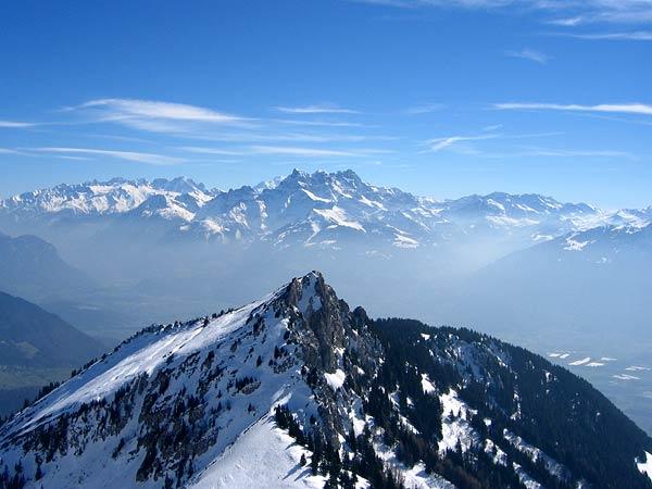 La Berneuse, domaine skiable de Leysin, printemps 2003.