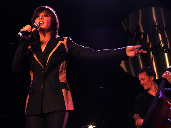 Montreux Jazz Festival 2004: Catherine Ringer, Hommage à Edith Piaf, July 11, Casino Barrière