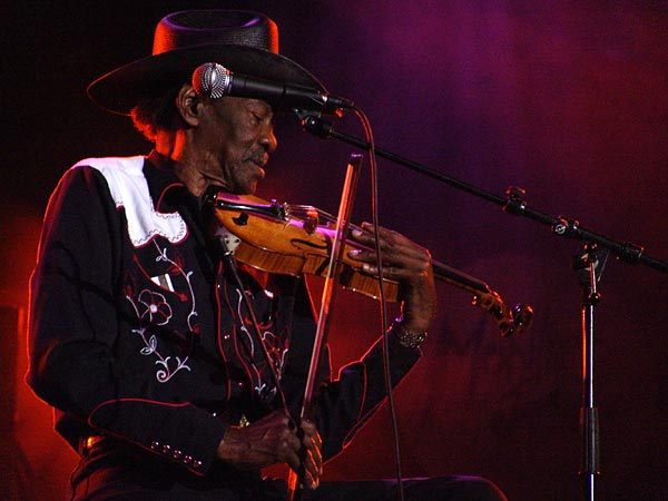 Montreux Jazz Festival 2004: Clarence Gatemouth Brown, July 12, Auditorium Stravinski