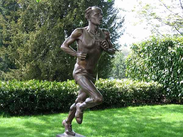 Lausanne: la statue d'Emil Zatopek, dans le parc du Musée olympique.
