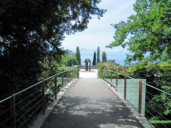 Lausanne: sur la terrasse du Musée olympique.