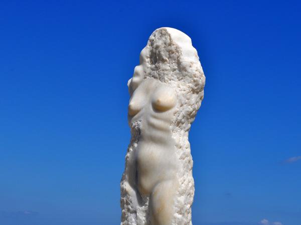 Aspects de Naxos, plus grande et plus haute île des Cyclades, avril 2012.