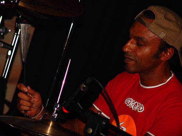 Manu Katché: Tendances, Montreux Drums Festival, Ned - Montreux Music Club, Saturday, October 30, 2004.