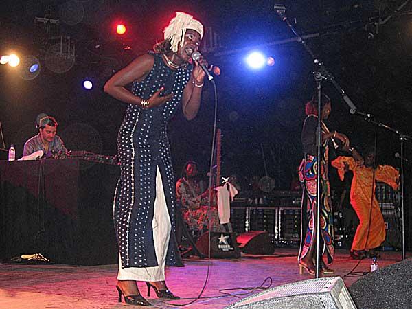 Paléo Festival 2003: Frédéric Galliano & the African Divas, July 23, Le Dôme
