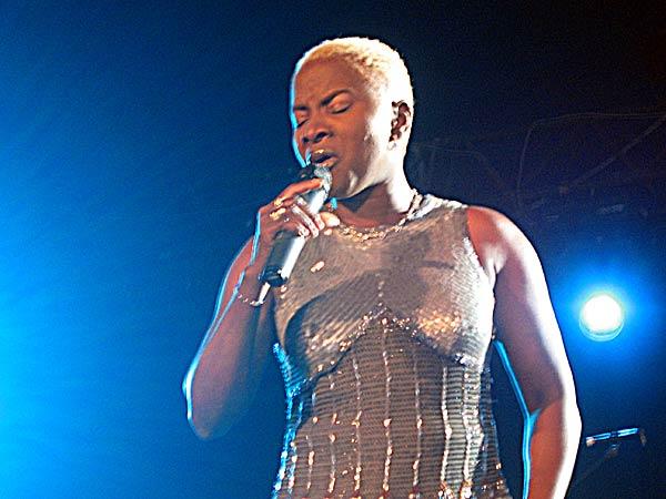 Paléo Festival 2003: Angélique Kidjo, July 25, Le Dôme