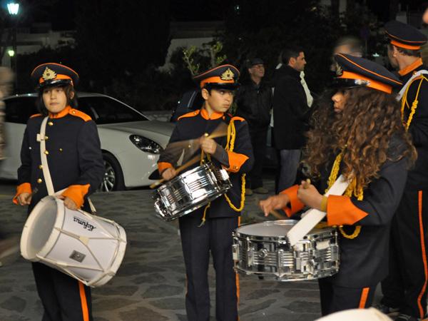 Parikia, Paros, Cyclades, avril 2012. Célébrations de Pâques dans les rues de la ville.