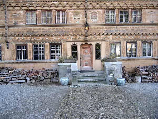 Rossinière: l'entrée du Grand Chalet, une pure merveille...