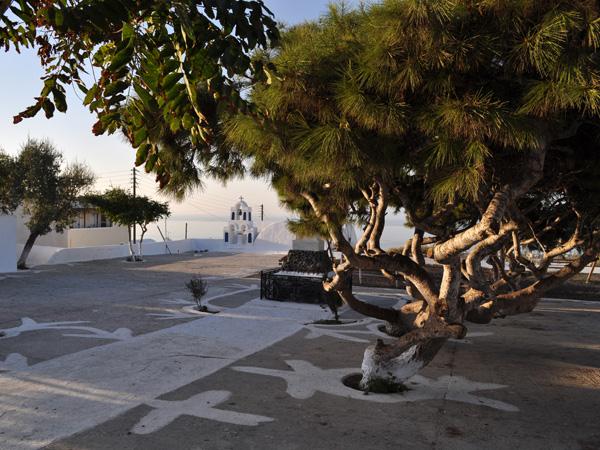 Aspects de Santorin, l'île la plus spectaculaire des Cyclades, 2010.
