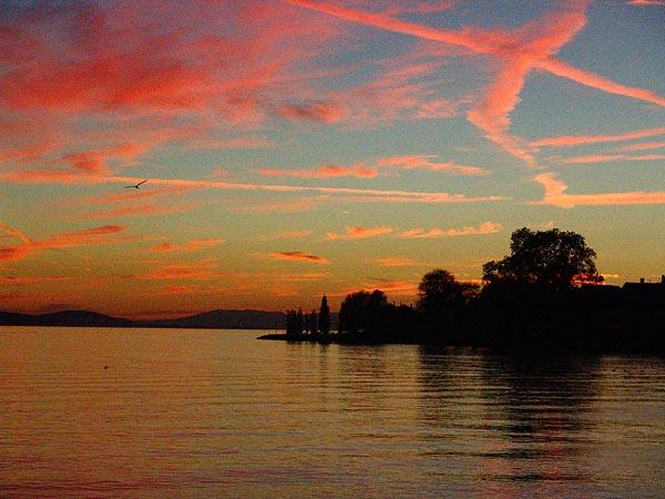 Coucher de soleil à Cully, 30 octobre 2004.