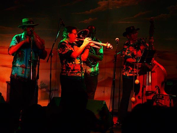Francisco Ulloa y Su Piquete Santiaguero, Ned Montreux, Fête du 10e anniversaire et inauguration de la Grande Salle, 13 novembre 2004.