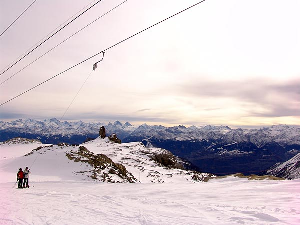 Glacier des Diablerets, vue sur le panorama des Alpes, 28 novembre 2004.