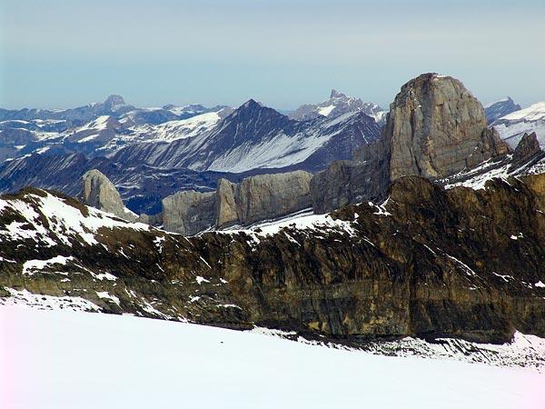 Glacier des Diablerets, vue sur les Alpes, 28 novembre 2004.