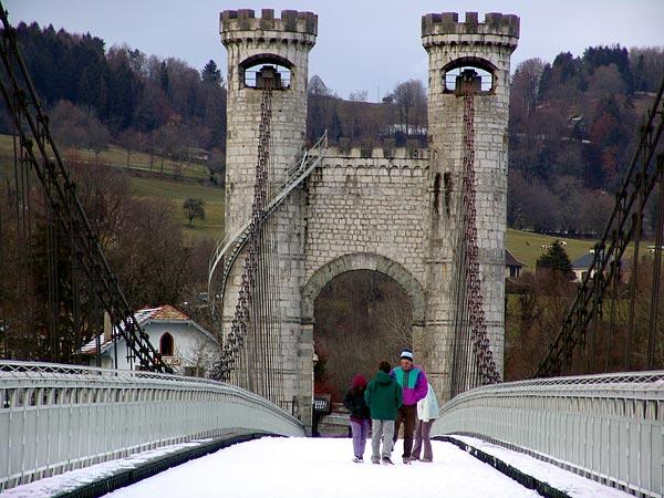 Le Pont de la Caille, près d'Annecy (France), 18 décembre 2004.