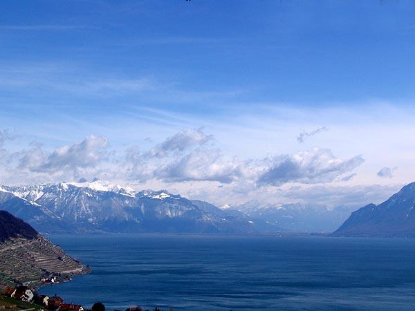Vue sur le Haut-Lac depuis Grandvaux, avril 2005.