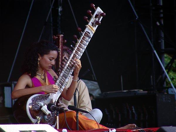 Paléo Festival 2005: Ravi & Anoushka Shankar, mardi 19 juillet 2005, Grande Scène.