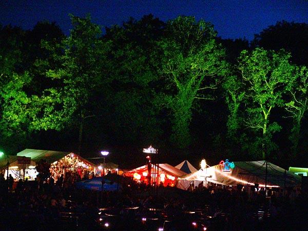 Ambiances du Paléo Festival 2005, mardi 19 juillet 2005.