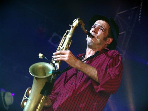 Paléo Festival 2005, jeudi 21 juillet: Babylon Circus, Chapiteau.