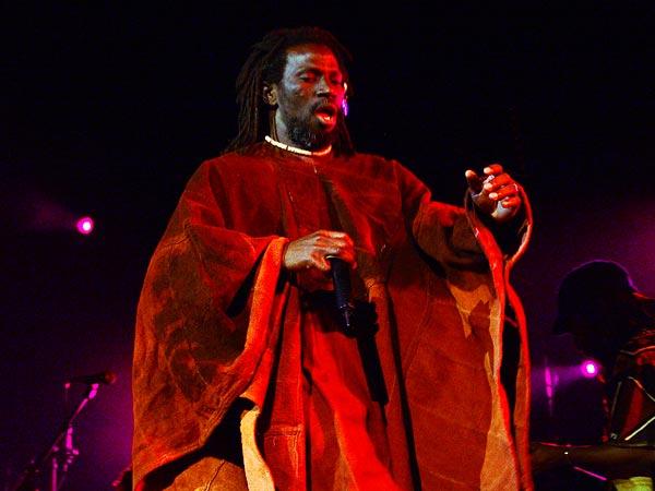 Paléo Festival 2005, jeudi 21 juillet: Tiken Jah Fakoly, Chapiteau.