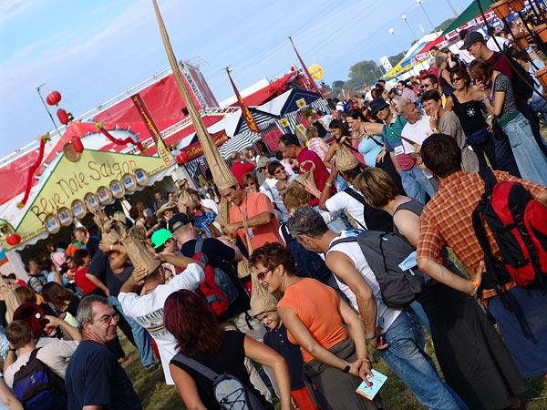 Ambiances du Paléo Festival 2005, samedi 23 juillet 2005.