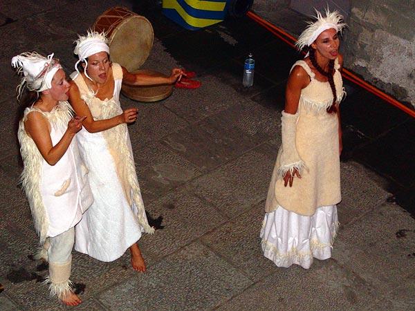 Nørn, trio vocal a cappella au World Music Festival d'Oron, 29 juillet 2005.