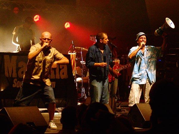 Massilia Sound System, «La Comedia Provençala« au World Music Festival d'Oron, samedi 30 juillet 2005.