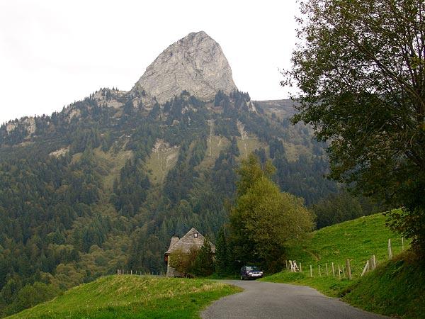 Vue sur la Dent de Jaman depuis les Grésalleys, septembre 2005.