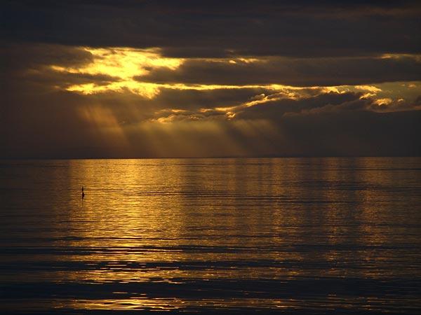 Coucher de soleil sur le Léman, Cully, octobre 2005.