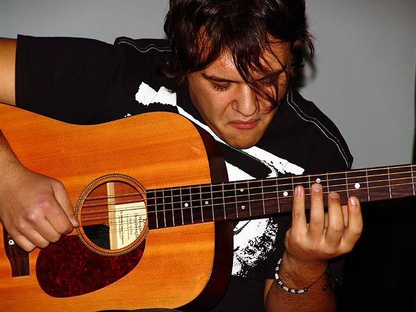 Nicola Oliva (1er prix), Nuits de la Guitare, EJMA Lausanne, vendredi 4 novembre 2005.