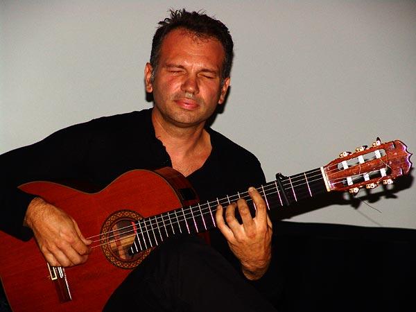 Nicolas Guay (2e prix), Nuits de la Guitare, EJMA Lausanne, vendredi 4 novembre 2005.