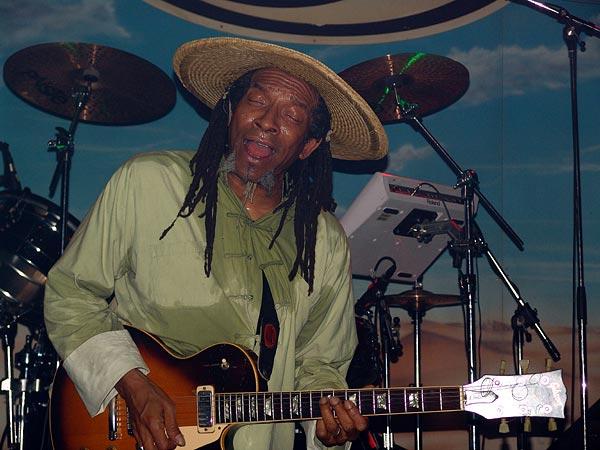Culture feat. Joseph Hill, Ned - Montreux Music Club, dimanche 13 novembre 2005.