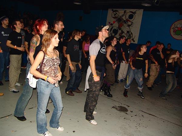 Prophets of Doom Tour, Ned - Montreux Music Club, vendredi 18 novembre 2005: un public un peu clairsemé mais qui s'éclate à donf...