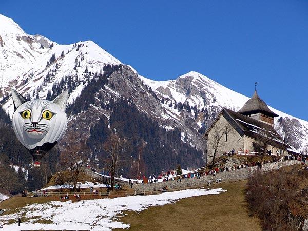 Château-d'Oex (Pays-d'Enhaut), 28e Semaine Internationale de Ballons à Air Chaud (21-29 janvier 2006), dimanche 22 janvier.