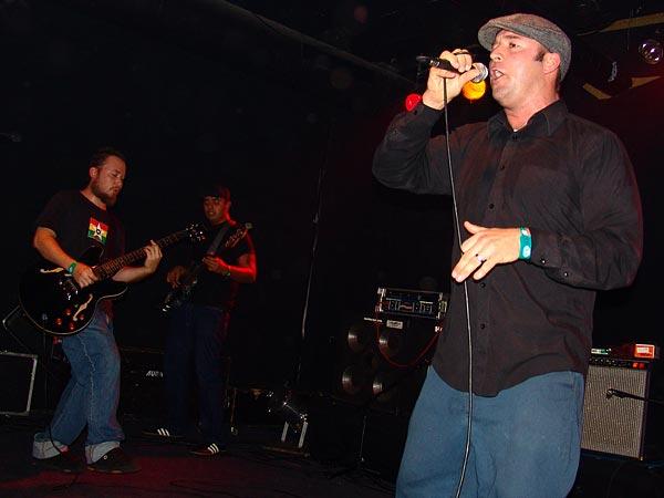 Go Jimmy Go, Ska Night, Ned - Montreux Music Club, dimanche 25 février 2007. Ils sont six, ils viennent de Hawai et ils mêlent reggae, ska et soul music... Bombardés