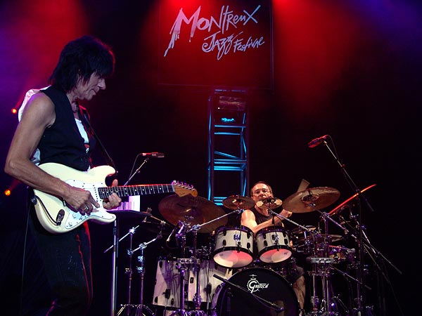 Montreux Jazz Festival 2007: Jeff Beck (feat. Vinnie Colaiuta on drums, Jason Rebello on keyboards and Tal Wilkenfeld on bass), July 15, Auditorium Stravinski
