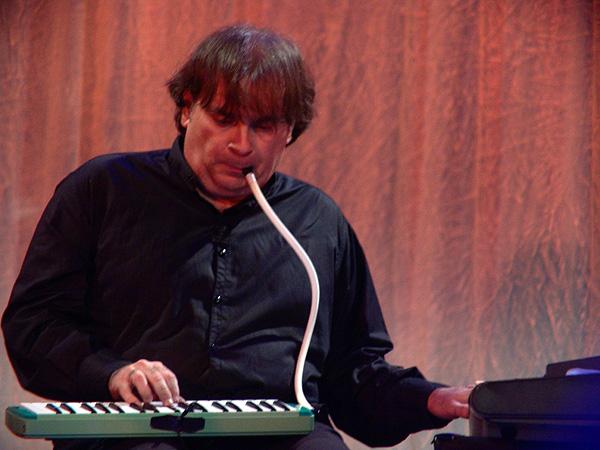 Paléo Festival 2009: Trilok Gurtu, mardi 21 juillet 2009, Le Dôme.