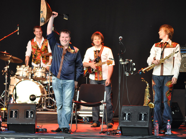 Montreux Jazz Festival 2010: The Russian Banjo (festive balalaika from Russia), July 7, Music in the Park (Parc Vernex).