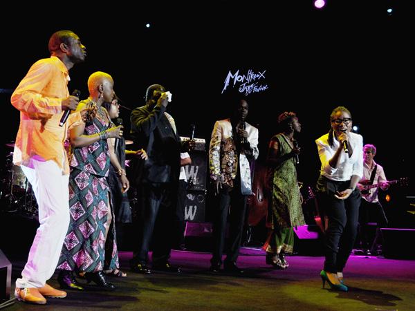 Montreux Jazz Festival 2010: Angélique Kidjo and Friends (feat. Baaba Maal, Asa, Vusi Mahlasela, Sayon Bamba Camara, Zamo Mbutho, Stella Khumalo, Faith Kekana, Youssou N'Dour), July 9, Auditorium Stravinski. Angélique Kidjo célèbre Mama Africa: hommage à Myriam Makeba.