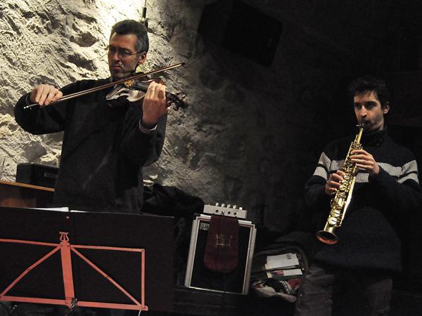 Les Manouches Tsé-Tsé rendent hommage à Django Reinhardt, Caveau du Coeur d'Or, Chexbres, samedi 22 janvier 2011.