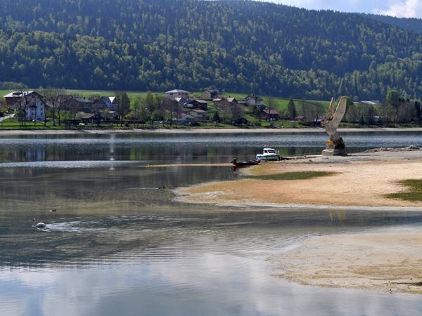 Le Pont, Vallée de Joux, entre lac Brenet et lac de Joux, 30 avril 2011.