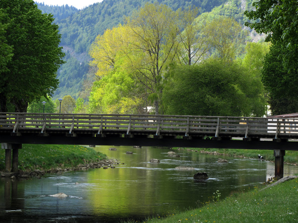 Vallorbe, dans le Jura vaudois, sur le cours de l'Orbe, 1er mai 2011.